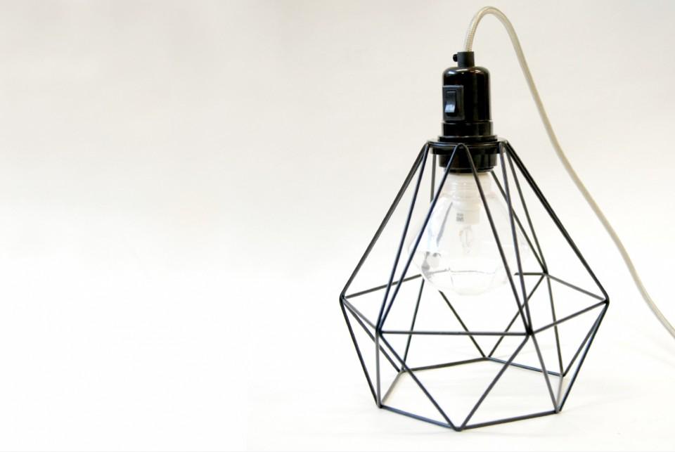 Deimantinis lemputės narvas, juodos