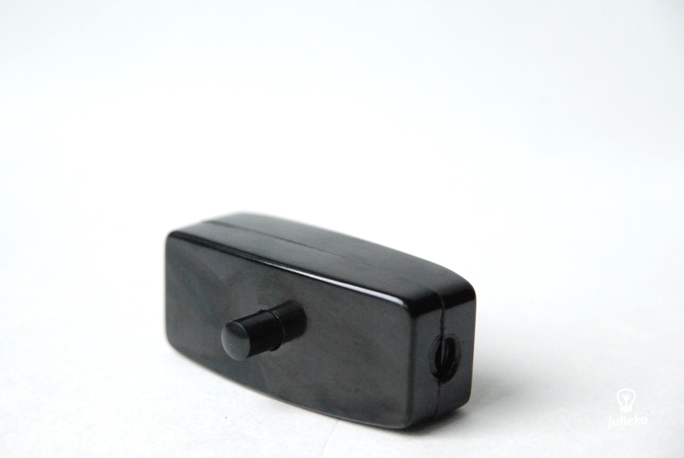 Bakelite inline switch, earthed, black