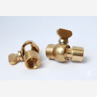 Solid brass 2 way tube connector M10x1 threaded holes