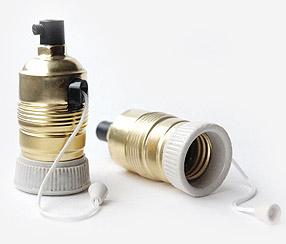Metallinen + keraaminen katkaisimella varustettu lampunpidin