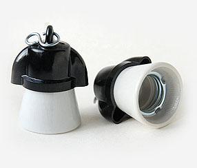 Keraaminen-bakeliitti lampunpidin