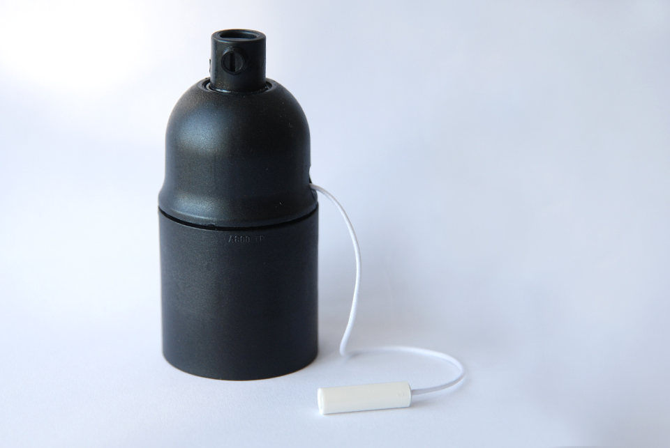 Lampholder with pull switch, black, E27